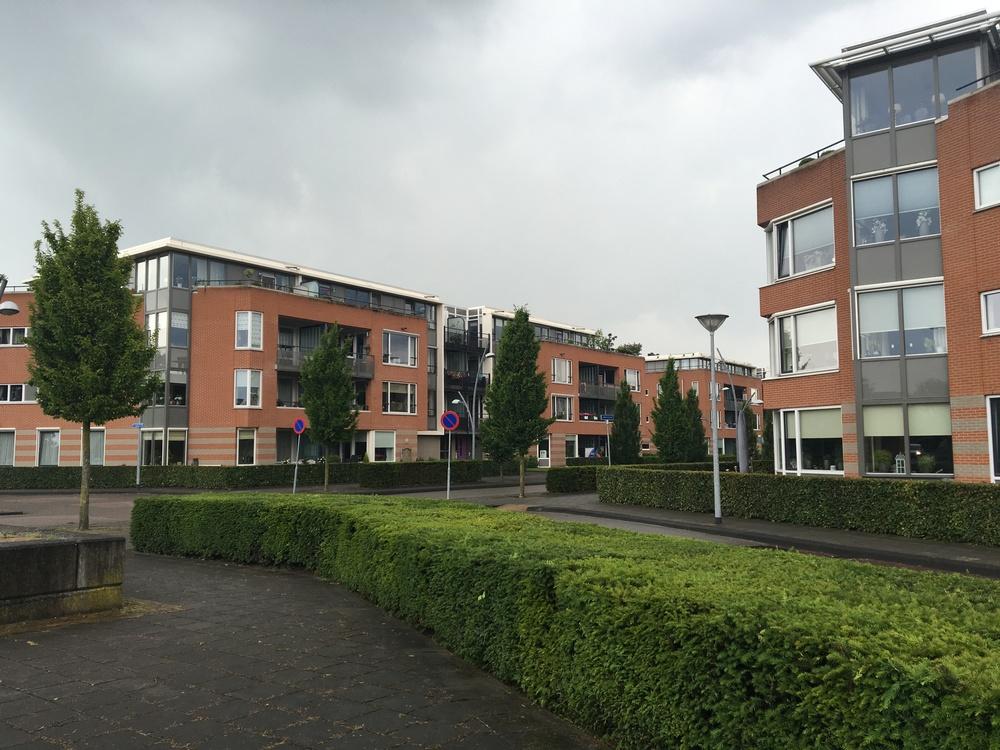 Appartementengebouw Lobeliastraat Barneveld. Vastgoedonderhoudsproject. Schilderwerk buiten, gevelonderhoud, onderhoud dilatatievoegen, coaten betontrappen. Opdrachtgever VvE (1).JPG